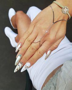 #nailsoftheday #mirrorpowder #powder #glitterynails #glitter #goldnails #nailstagram #instanails #instafashion #blogger #paznokcie…