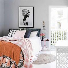 Buenos días!!!! ❥ Hoy en el blog, arrancamos la semana con la casa más linda que se podrían imaginar, el hogar de @mavendolls, una chulada que me tiene toda 😍. Todas las fotos en 👉🏼casahaus.net 👈🏼 #quieroesecuarto #yloquieroya Hi!!! Kicking off a new week with the lovely home of @mavendolls on the blog today. This is my dream home, people! Seriously one of the cutest houses you ever did see... ❥ Link in profile ;) #iwantthatbedroom #andiwantitnow #masterbedroom #scandi #interiordesign…