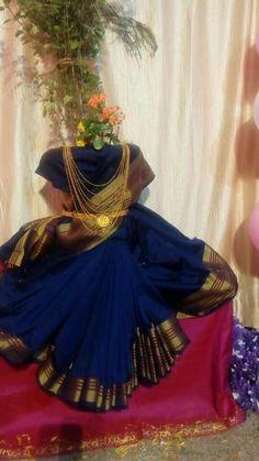 Diy Diwali Decorations, Festival Decorations, Flower Decorations, Tulsi Vivah, Pooja Room Design, Diwali Diy, Puja Room, Radha Krishna Images, Indian Festivals