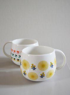 Él, interiorista. Ella, diseñadora de moda. Ambos aman el diseño escandinavo ¿El resultado? Su tienda: Mr & Mrs Clynk. Menaje hogar. Porcelana. Patrones gráficos. Retro. Vintage. Tazas.