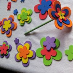 Finding a hobby is a lot of fun. There are many different things to do so it's not easy to Kids Crafts, Foam Crafts, Easy Crafts, Arts And Crafts, Paper Crafts, Flower Crafts, Flower Art, Papa Tag, Art And Hobby