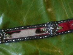 Halsband schwarz und rot-Rindsleder-Kuhfell,etwas hellblau,Löwenköpfe
