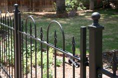 Garden Railings, Patio Railing, Wrought Iron Fences, Fence Ideas, Fencing, Yard Art, Costume Ideas, Hoop, Victorian