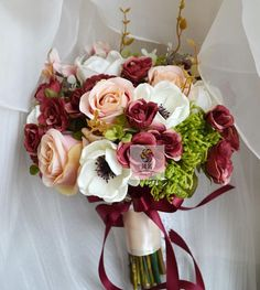 Silk Flower Wedding Bouquet Rose Berry Artificial Flowers Fall Vivid Fake Leaf Wedding Flower Bridal Bouquets Decoration Boda