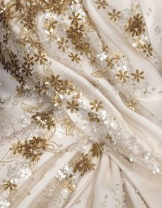 """its-mademoiselle-love: """"Beautiful details - Christian Dior """" Couture Details, Fashion Details, Christian Dior, Blush Rosa, Gatsby, Dior Haute Couture, Glamour, Textiles, Simply Beautiful"""
