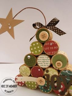 Something to make with kids Cork Christmas Trees, Christmas Makes, Christmas Wishes, Rustic Christmas, Handmade Christmas, Christmas Holidays, Christmas Ornaments, Wine Craft, Wine Cork Crafts