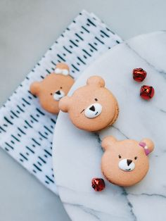Day 08 of 12 Days of Cookies: Gingerbread Bear Macarons — Fix Feast Flair