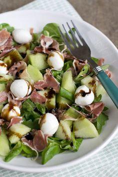 Lekkere zomerse salade met ham, meloen en mozzarella | via BrendaKookt.nl