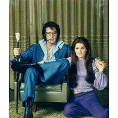 Elvis and Priscilla Presley Elvis Und Priscilla, Priscilla Presley, Elvis Presley, Graceland Mansion, Las Vegas Real Estate, Inexpensive Wedding Venues, Budget Wedding, Marriage License, Famous Stars