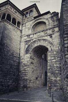 Perugia - Arco Etrusco by Evghenia Petrushina on 500px