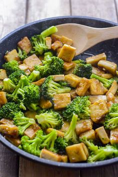 Delicious and healthyTofu Broccoli Skillet meal, ready in only 15 minutes, perfect for a busy weeknight meal. Taste better than take-out!