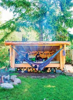17 Fantastic Garden Fence Ideas Garden 17 Fantastic Garden Fence Ideas fence Designs for the perfect garden shed Gardens are not only suitable for lawns and household play Small Backyard Gardens, Small Gardens, Backyard Patio, Backyard Landscaping, Small Backyards, Small Patio, Landscaping Ideas, Backyard Hammock, Backyard Playhouse