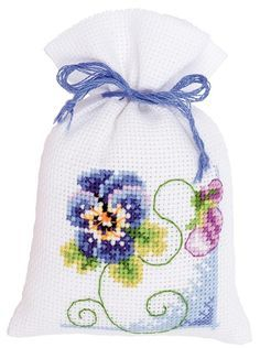 Cross Stitch Cards, Cross Stitch Flowers, Cross Stitch Kits, Cross Stitching, Cross Stitch Embroidery, Cross Stitch Patterns, Pot Pourri, Christmas Embroidery Patterns, Lavender Bags