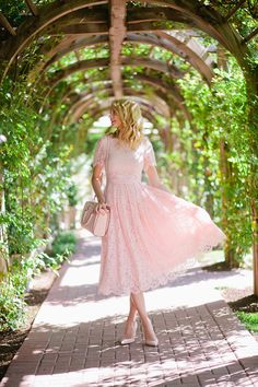 Modest Fashion doesn't mean frumpy! Fashion Tips (and a free eBook) here…