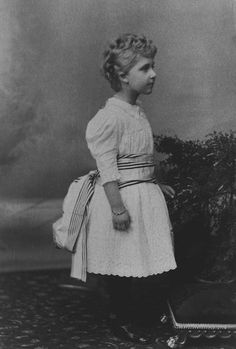 Princess Victoria Eugénie of Battenberg, 1892 [in Portraits of Royal Children Vol.40 1891-1893] | Royal Collection Trust