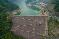 These stunning pictures show the 18-kilometer scenic mountain road with a series of hairpin turns in Anji county, east China's Zhejiang Province. The winding road snaking uphill and downhill provides a thrilling experience for many driving zealots. But caution: this is no professional track here, so one needs to be extra careful while driving.