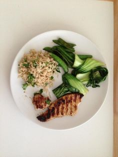 Ginger, lime and extra virgin olive oil marinaded tuna steak. Served with coriander brown rice, pak choi and sugar snap peas. high in protein, complex carbs and vits and mins.