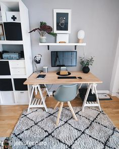 21 trendy home office table desk workspace inspiration Office Table Design, Home Office Table, Home Office Bedroom, Home Office Space, Home Office Desks, Bedroom Desk, Home Office Inspiration, Workspace Inspiration, Workspace Desk