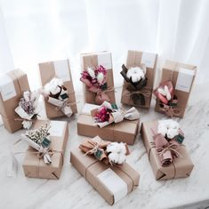 There's a reason why I'm so obsessed with unique and clever gift wrapping ideas. Creative Gift Wrapping, Wrapping Ideas, Creative Gifts, Christmas Gift Wrapping, Christmas Gifts, Dried Flowers, Paper Flowers, Diy Gifts, Best Gifts