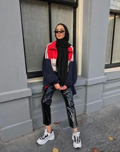 Ideas Fashion 2019 Sport For 2019 Source by outfits hijab Modern Hijab Fashion, Street Hijab Fashion, Hijab Fashion Inspiration, Muslim Fashion, Street Outfit, Fashion Ideas, Street Wear, Fashion Trends, Hijab Mode