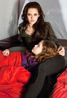Kristen Stewart and Robert Pattinson in The Twilight Saga: Breaking Dawn - Part 2: Mother-Daughter Time