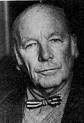 Jacob van der Gaag (Utrecht, 7 januari 1905 - Leiden, 7 februari 1988) begon in de oorlog al spoedig met hulp aan onderduikers, het verzamelen van inlichtingen en het vervalsen van bonkaarten. In januari 1944 ging hij deelnemen aan de Raad van Verzet die een bundeling nastreefde van van alle actieve verzetsorganisaties. In september 1944 werd hij, hoewel hij niet voorgedragen was namens de Raad, benoemd in het College van Vertrouwensmannen. Na de oorlog was hij o.a consul en ambassadeur.