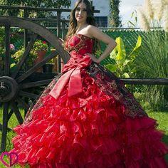 8dd8dca27 7 mejores imágenes de Vestidos de XV años