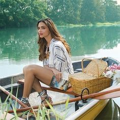 Birthday Queen Deepika Padukone Hot, Sexy Thighs and Sexy legs Exclusive collection – Hot and Sexy Actress Pictures Bollywood Actors, Bollywood Celebrities, Bollywood Fashion, Bollywood Style, Bollywood Girls, Greg Norman, Dipika Padukone, Deepika Padukone Style, Photoshoot Pics