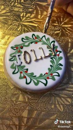 Christmas Sugar Cookies, Christmas Sweets, Christmas Cooking, Holiday Cookies, Christmas Desserts, Decorated Christmas Cookies, Christmas Biscuits, Decorated Cookies, Iced Cookies
