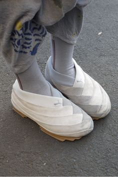I seriously covet these shoes and puma only made 600 prs. That was stupid Crazy Shoes, New Shoes, Pumas Shoes, Shoes Sneakers, Sneakers Fashion, Fashion Shoes, Socks Outfit, Shoes 2018, Ballet Shoes