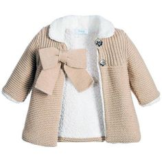 Baby girls beige pram coat by Foque with a large bow on the .- Baby girls beige pram coat by Foque with a large bow on the front. Made in knitt… Baby girls beige pram coat by Foque with a large bow on the front. Made in knitted acrylic, the bodice has a Baby Pullover Muster, Knitted Baby Cardigan, Knit Baby Sweaters, Knitted Coat, Baby Sweater Patterns, Baby Knitting Patterns, Baby Patterns, Baby Outfits, Kids Outfits