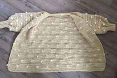 Vest Vera handmade by juf Sas met gratis haakpatroon Crochet Cardigan, Burlap, Reusable Tote Bags, Sweaters, Clothes, Fashion, Outfits, Moda, Crochet Jacket
