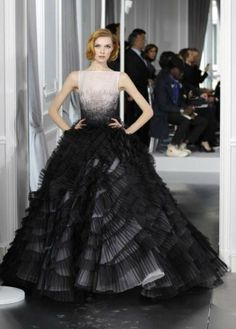 2019 year lifestyle- Wedding Black dresses meaning pictures