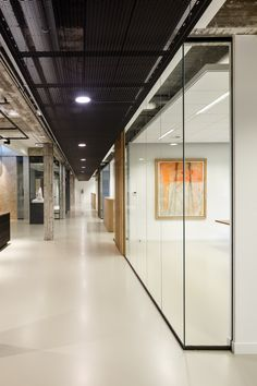 A Seamless And Tough Elastic Floor That Is Ideal For Buildings Are Used Intensively