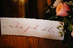 Rustykalny ślub inspiracje, kaligrafia – papeteria ślubna http://www.jaceksiwko.com/rustykalne-inspiracje-slubne/