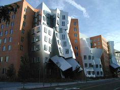 Ray and Maria Stata Center. Unusual academic complex designed by Pritzker Prize-winning architect Frank Gehry for the Massachusetts Institute of Technology. Boston Architecture, Architecture Design, Amazing Architecture, Contemporary Architecture, Building Architecture, Frank Gehry, Unusual Buildings, Amazing Buildings, Zaha Hadid