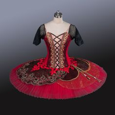 If you are after a spanish style ballet tutus, then look no further. This Paquita Professional Ballet Tutu is idea. Lots of spanish design for a Paquita ballet performances. Tutu Ballet, Ballerina Costume, Ballet Girls, Bolshoi Ballet, Tutu Costumes, Ballet Costumes, Carnival Costumes, Costume Ideas, Nutcracker Costumes