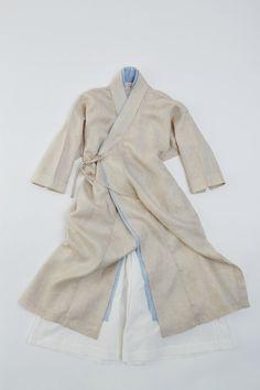 2015 차이킴 tchaikim Modern Take, Tokyo Fashion, Kimono Fashion, Asian Fashion, Unique Fashion, Fashion Outfits, Women's Fashion, Korean Traditional, Traditional Fashion, Traditional Outfits