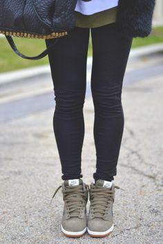 city girl // nike dunks & leggings