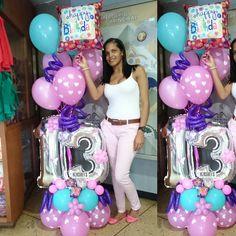 Esta mamá encantadora regala a su hija un bouquet de Globos en su cumpleaños No 13. Felicidades Muchísimas Gracias por preferirnos! Este 14 de Febrero nooooo dejes de apartar tu Bouquet de globos! CUPOS LIMITADOS . . Stand de Globos en @galeriasavila  Gracias, Gracias, GRACIAS por permitirnos ser parte de ese momento especial! #regalaysorprende #aprendeydecora #bouquet . #wonderful #congrats #decoration #decoracion #balloon #art  #balloonsculpture  #likes #venezuela #party #fiesta #globos…