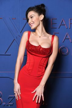 Bella Hadid is one of the best dressed celebrities. She wore a Bulgari red dress. By the way, Bella Hadid maxi dress is an attractive idea for evening dresses. Bella Hadid Photos, Bella Hadid Outfits, Bella Gigi Hadid, Bella Hadid Smile, Red Corset Dress, Corset Dresses, Mode Outfits, Fashion Outfits, Gothic Fashion
