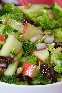Salad Healthy Vegan Apple Broccoli Salad made with fresh ingredients is a light, healthy lunch or side dish.Healthy Vegan Apple Broccoli Salad made with fresh ingredients is a light, healthy lunch or side dish. Best Salad Recipes, Vegetarian Recipes, Cooking Recipes, Healthy Recipes, Easy Recipes, Keto Recipes, Rice Recipes, Autumn Food Recipes, Christmas Salad Recipes
