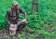You don& need to own 500 acres or earn a degree in horticulture to capitalize on the food plot craze. Whitetail Deer Hunting, Deer Hunting Tips, Turkey Hunting, Hunting Gear, Hunting Stuff, Food Plots For Deer, Deer Food, Deer Habitat, Hunting Land