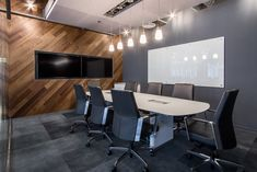 Office Tour: Geneva Trading Offices – Chicago Home Office Design Modern is enormously important for your home. Whether you choose the Office Design Corporate Workspaces or Modern Office Design Home, y Corporate Office Design, Office Space Design, Modern Office Design, Small Room Design, Workspace Design, Office Interior Design, Office Interiors, Luxury Interior, Office Designs