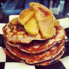 GOURMET LUNCHBOX: Super Healthy, Protein Packed Apple Cinnamon Pancakes #Recipe