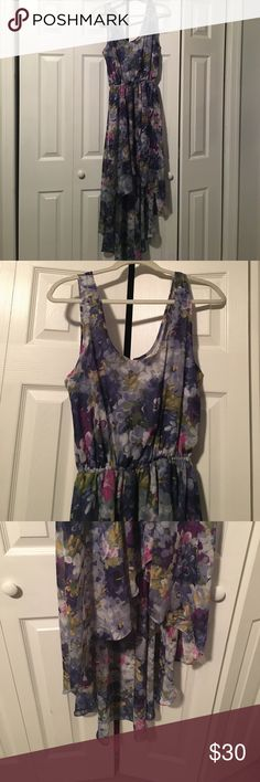 Sparkle & Fade floral high-lo dress Super soft High Low dress from Sparkle and Fade via Urbanoutiffters also has open back detail with sheer panels and button closure. Elastic waist. Perfect for weddings or springtime! Size Large. Worn once. Sparkle & Fade Dresses High Low