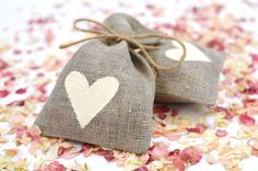 Ensure your confetti is a talking point on your wedding day, with these trends for Fall Winter, Autumn, Wedding Confetti, On Your Wedding Day, Burlap, Reusable Tote Bags, Trends, Fashion, Moda
