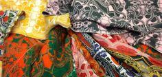 Beeldend kunstenaar Christie van der Haak uit Den Haag kreeg van De Lakenhal als eerste de opdracht om Nieuw Leids Laken te ontwerpen. Zij liet zich inspireren door de stoffenstalen van Museum De Lakenhal, waarin vele kleurrijke, exotische motieven zijn terug te vinden. Haar stofontwerpen worden internationaal geproduceerd en verhandeld. (Foto: PR).