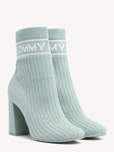 Tommy Hilfiger Outfit, Tommy Hilfiger Stiefel, Louis Vuitton Pumps, Aesthetic Shoes, Hype Shoes, Heels Outfits, Shoes Heels Pumps, Sneaker Boots, Adidas Women