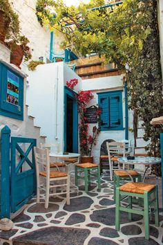 #syros #cyclades #greece #traveltogreece Travel Around The World, Around The Worlds, Greece Islands, Filing System, Other Countries, Greece Travel, Santorini, Beautiful World, Outdoor Ideas